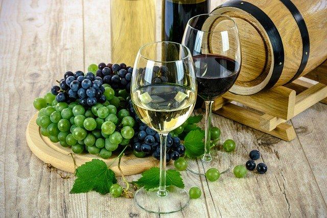 vins blanc et rouge